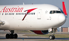 OE-LAZ - Boeing 767-3Z9(ER) - YYZ (Seán Noel O'Connell) Tags: austrianairlines oelaz boeing 7673z9er b767 b763 767 torontopearsoninternationalairport yyz cyyz vie loww os72 aua72 aviation avgeek aviationphotography planespotting