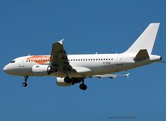A319-100_Easyjet_G-EZEH-002 (Ragnarok31) Tags: airbus a319100 a319 easyjet gezeh
