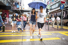 Rainy day (人間觀察) Tags: 28mm f14 7artisans 7artisans28mmf14 七工匠 leica leicam hong kong street photography people candid city stranger public space walking off finder road travelling trip travel 人 陌生人 街拍 asia girls girl woman 香港 wide open