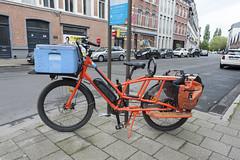 Serious bikes, The Radwagon (Arne Kuilman) Tags: antwerpen anvers belgium belgie d700 city trip wide walk ev cargobike bike bicycle heavyduty transport rugged rad radpowerbikes radwagon orange madeinthenetherlands nederlands fiets electrischefiets