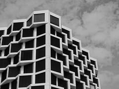 Modern living (McMunich) Tags: mcmunich munich münchen germany black white bw architecture waben wohnen housing
