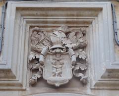 Lecce (Apulia-Italia). Vía Vittorio Emanuele II. Escudo (santi abella) Tags: lecce apulia puglia italia heráldica escudos
