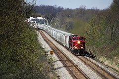 FXE 4618 swings through the dogleg at Reeseville on the point of EB sand train CP 680 (AndyWS formerly_WisconsinSkies) Tags: train railroad railway railfan canadianpacificrailway canadianpacific cprail cp ferromex ge es44ac gevo locomotive