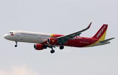 VN-A661 (Ken Meegan) Tags: vna661 airbusa321211sl 8670 vietjetair bangkok suvarnabhumi 2422019 airbusa321 airbus a321211sl a321