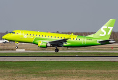 VQ-BYS S7 - Siberia Airlines Embraer 170SU (ERJ-170-100SU) (Osdu) Tags: embraer s7 s7airlines spotting planespotting avia aviation domodedovo airport dme uudd аэропорт домодедово aircraft airplane avion aeroplano aereo 机 vliegtuig aviao uçak аэроплан samolot flugzeug luftfahrzeug flygplan lentokone aeroplane طائرة letoun fastvingefly avión lennuk هواپیما flugvél aëroplanum самолёт 固定翼機 飛機 embraer170 erj170 vqbys