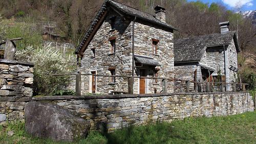 Weiler Ronchi bei Lodano im Maggiatal