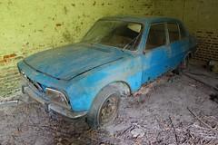Peugeot 504 3 (Raphael Drake) Tags: abandonne abandoned urbex rurex decay decayed maison house grange barn peugeot 504 car wreck voiture epave