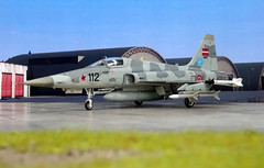 "1:72 Northrop F-5L ""Tiger II""; aircraft ""112 Black"" (s/n 81-26112) of the Latvijas Gaisa spēki (Latvian Air Force, LAF) Fighter Squadron; Lielvārde Air Base, 2010 (Whif/Italeri kit) (dizzyfugu) Tags: 172 northrop f5 f5e f5l tiger ii skoshi latvia air force lielvārde base latvijas gaisa spēki aim9 aim120 sidewinder amraam interceptor baltic sea nato modellbau dizzyfugu whif whatif fictional aviation italeri model kit norm grey"