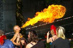 Feuerspucker in Köln (HeierJung) Tags: pentax k10d köln rheinufer sommer feuerspucker