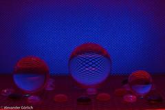 Glass Sphere (alexandergörlich) Tags: canoneos60d canonefs35mmf28macroisstm wien vienna österreich austria hobby fotografie fotographie amateurfotografie amateurphotography canon tamron produktfotografie productphotography schönheit wonderfull goodtime beautiful schön makro macro macroworld makrofoto makrofotografie macrophotography beauty glaskugel glasssphere lensball crystalball glasnuggets glastropfen glassdrops spiegelung reflection