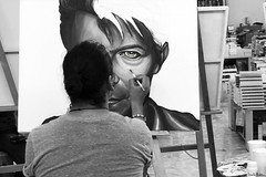 Bowie. (Orcoo) Tags: painting pintando davidbowie zackrodriguez libreriagandhi bw byn blackandwhite blancoynegro