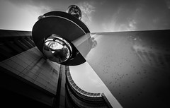 DSCF2978 (靴子) Tags: 黑白 單色 街頭 街拍 七堵火車站 基隆 建築 結構 bw bnw street streetphoto keelung xt2 fujifilm 816mm