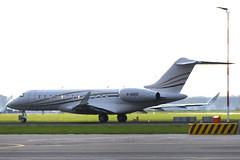 G-OUEG Bombardier BD.700-1A10 Global 6000 @ Schiphol 26-Apr-2019 by Johan Hetebrij (Balloony Dutchman) Tags: bombardier bd7001a10 global 6000 bd700 aircraft airport schiphol 2019 goueg