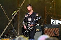 380-20180603_14th Wychwood Music Festival-Cheltenham-Gloucestershire-Main Stage-Feeder-lead guitar 1 (Nick Kaye) Tags: wychwood music festival cheltenham gloucestershire england