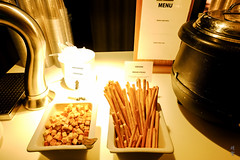Breadsticks, croutons and soup (A. Wee) Tags: sweden 瑞典 stockholm 斯德哥尔摩 arlanda airport 机场 arn sas lounge 北欧航空 scandinavianairlines
