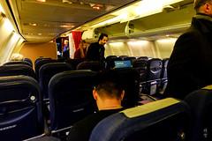 Boarding in progress (A. Wee) Tags: sas 北欧航空 scandinavianairlines boeing 737 737700 经济舱 economyclass