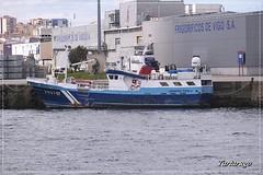 Siempre Perla (Tartarugo) Tags: fujifilm xm1 tartarugo paseos por vigo galicia españa spain 2019 abril april primavera spring barco boat vessel puerto de trawler fishboat arrastrero pesquero viernes friday