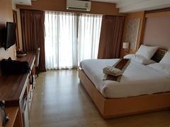 Kitlada Hotel Udon Thani 1 (SierraSunrise) Tags: hotel lodging udonthani thailand isaan esarn bed room interior