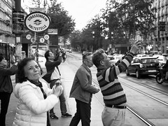 chinese photo flash mob (rainerralph) Tags: schwarzweiss olympus blackandwhite omdem1markii streetphotography austria vienna mzuikodigital1240pro oesterreich wien