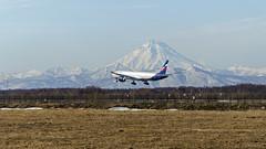 Aeroflot Boeing 777-3M0(ER) VP-BGB, Vilyuchinskiy volcano (Zhuravlev Nikita) Tags: spotting elizovo kamchatka uhpp 777 boeing aeroflot