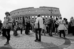 Rome : Les nouveaux barbares #1 (Paolo Pizzimenti) Tags: rome barbares eur colosseum carré architecture paolo italie film pellicule argentique doisenau