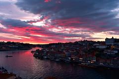 Porto sunset (diegocarreraperez) Tags: porto oporto sunset atardecer portugal cielo sky rio river duero douro photo colour color viaje vacaciones holiday travel