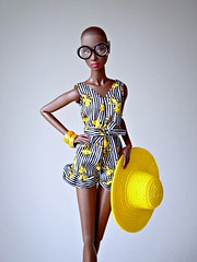 Adele models her new outfit (Deejay Bafaroy) Tags: fashion royalty fr integrity toys doll puppe adele makeda timeless black schwarz portrait porträt barbie clothes kleider white weiss yellow gelb hat hut glasses brille irisapfel stripes streifen striped gestreift