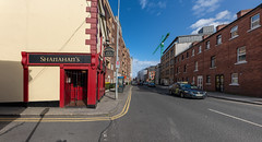 SHANAHANS BAR AND LOUNGE [THE COOMBE IN DUBLIN CITY]-152070 (infomatique) Tags: dublinpub streetsofdublin thecoombe historicstreet irishpub barandlounge bar loungebar shanahans williammurphy infomatique fotonique sony a7riii sigma 14mm wideangle lens