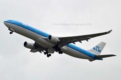 """Plaza de la Catedral - Habana"" KLM Royal Dutch Airlines PH-AKD Airbus A330-303 cn/1300 @ Kaagbaan EHAM / AMS 15-08-2018 (Nabil Molinari Photography) Tags: plazadelacatedralhabana klm royal dutch airlines phakd airbus a330303 cn1300 kaagbaan eham ams 15082018"