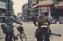 63840027 (li-penny) Tags: taiwan film rolleivariochrome pentaxk1000 pentaxsmcm50f17 smcpentaxm50mmf17 banqiao newtaipeicity streetsnap 台灣 新北市 底片 板橋