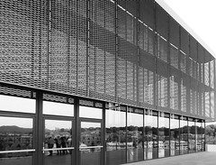 ARQUITECTURA Y GEOMETRÍA (Luis Mª) Tags: donostia sansebastián arquitectura geometría monocromático blancoynegro afiiae