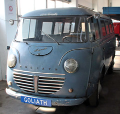 Express (Schwanzus_Longus) Tags: einbeck german germany old classic vintage vehicle window van bus goliath express 900
