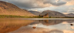 A lucky patch of light (Hoovering_crompton) Tags: kilchurncastle lochawe highland scotland mountain water nikond7200 dalmally castle landcape