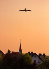 Chegando de Petrolina (PauloHenrique Pereira) Tags: boeing b747 747 748 b748 sunset landing airplane aircraft plane jumbo luxembourg