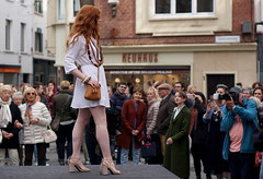 classy lady in green meets porcelain pheomelanin catwalk model (e³°°°) Tags: antwerp fashion weekend antwerpfashionweekend mademoiselle meisje model mc1r mädchen modeshow femme female fille face antwerpen anvers woman women catwalk pheomelanin redhead redhair