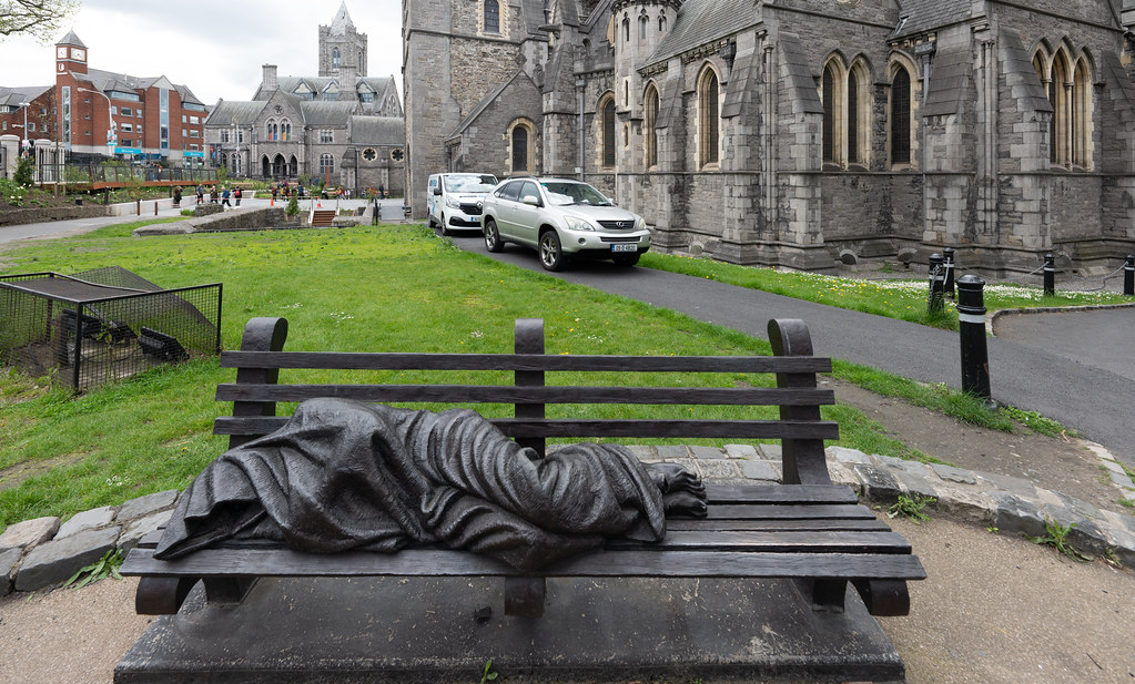 THE HOMELESS JESUS AT CHRIST CHURCH CATHEDRAL [HAS BEEN HERE SINCE 2015 BUT THIS WAS MY FIRST TIME TO NOTICE IT] -152095