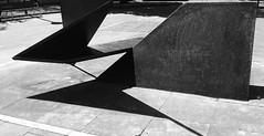 Formas geométricas. (Luis Mª) Tags: irún bidasoatxingudi afiiae abstracto geometría monocromático blancoynegro lucesysombras escultura