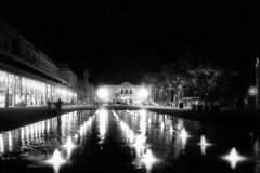 Piazza della Vittoria - Reggio Emilia - August 2017 (cava961) Tags: piazzadellavittoria reggioemilia analogue analogico monochroe monocromo nocturne nightview bianconero bw