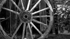 wagon wheel 2 / rueda de carro 2 (Roger S 09) Tags: asturias cabranes villanueva rueda wheel 20000