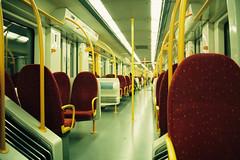 UME 3424 IV (Tiago Alves Miranda) Tags: caminhodeferro railways cp comboiosdeportugal ume 3400 3424 suburbano estação station coimbrões csm linhadonorte vilanovadegaia portugal tiagoalvesmiranda