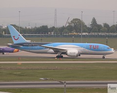 TUI B787-8 G-TUIF taxiing at BHX/EGBB (AviationEagle32) Tags: birminghamairport birminghaminternationalairport birmingham bhx egbb unitedkingdom uk airport aircraft airplanes apron aviation aeroplanes avp aviationphotography avgeek aviationlovers aviationgeek aeroplane airplane planespotting planes plane propellers flying flickraviation flight vehicle tarmac tui tuitravel tuigroup tuiairways boeing boeing787 boeing787dreamliner 787 b787 b787dreamliner b7878 b787800 b788 dreamliner gtuif