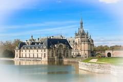 Chateau Chantilly AV entrée (gilles207) Tags: chateau chantilly 60 oise renaissance douve saturation couleur histoire nag castle france canon5d