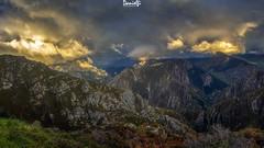 Desde Proaza hasta Quirós (danielfi) Tags: asturias asturies paisaje landscape mountain montaña naturaleza nature cielo sky nubes clouds sol sun atardecer ocaso dusk sunset ngc proaza quirós pano panoramic panoramica