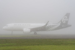 Air New Zealand Airbus A320 (Daniel Talbot) Tags: a20n akl airnewzealand airbus airbusa320neo auckland aucklandairport aucklandregion nzaa newzealand northisland teikaamāui zknha air aircraft airplane airplanes airport autumn aviation fog maker oceania plane season seasons transportation weather