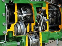 Look at the open heart ( John Deere) (Mike Reichardt) Tags: dwwg details auto automotive traktor tractor johndeere greenyellow minimalism minimal lessismore gears getriebe antrieb motor engine