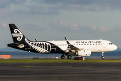 Air New Zealand Airbus A320 (Daniel Talbot) Tags: a320 akl airnewzealand airbus airbusa320 auckland aucklandairport aucklandregion nzaa newzealand northisland teikaamāui zkoxi aircraft airplane airplanes airport autumn aviation maker oceania plane season seasons transportation