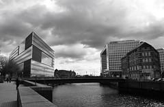 Deichtor Center & Der Spiegel @ Hamburg (vdbdc) Tags: deichtor center der spiegel hamburg arquitectura moderna modern architecture blanc negre blanco y negro black white