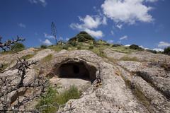 necropoli di Santu Pedru, Alghero (Donna Nuragica) Tags: alghero salighera lalguer sardegna archeologiasarda sitiarcheologicisardi archeologia sardinia archaeology domusdejanas donnanuragica