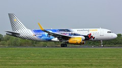 EC-MYC (AnDyMHoLdEn) Tags: vueling a320 disneylandparis egcc airport manchester manchesterairport 05r