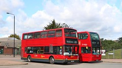 Go Ahead London Central PVL284 PJ02RCU - Arriva London T318 LK65ENJ (Waterford_Man) Tags: lk65enj t318 enviro400 pj02rcu pvl284 plaxton president goaheadlondoncentral goaheadlondongeneral arrivalondon